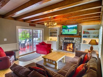 Lake Arrowhead chateau / country house rental - Living Room looking out to the deck.