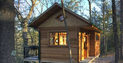 Wood Cliff Cabin: Retreat, Repose, Relax.