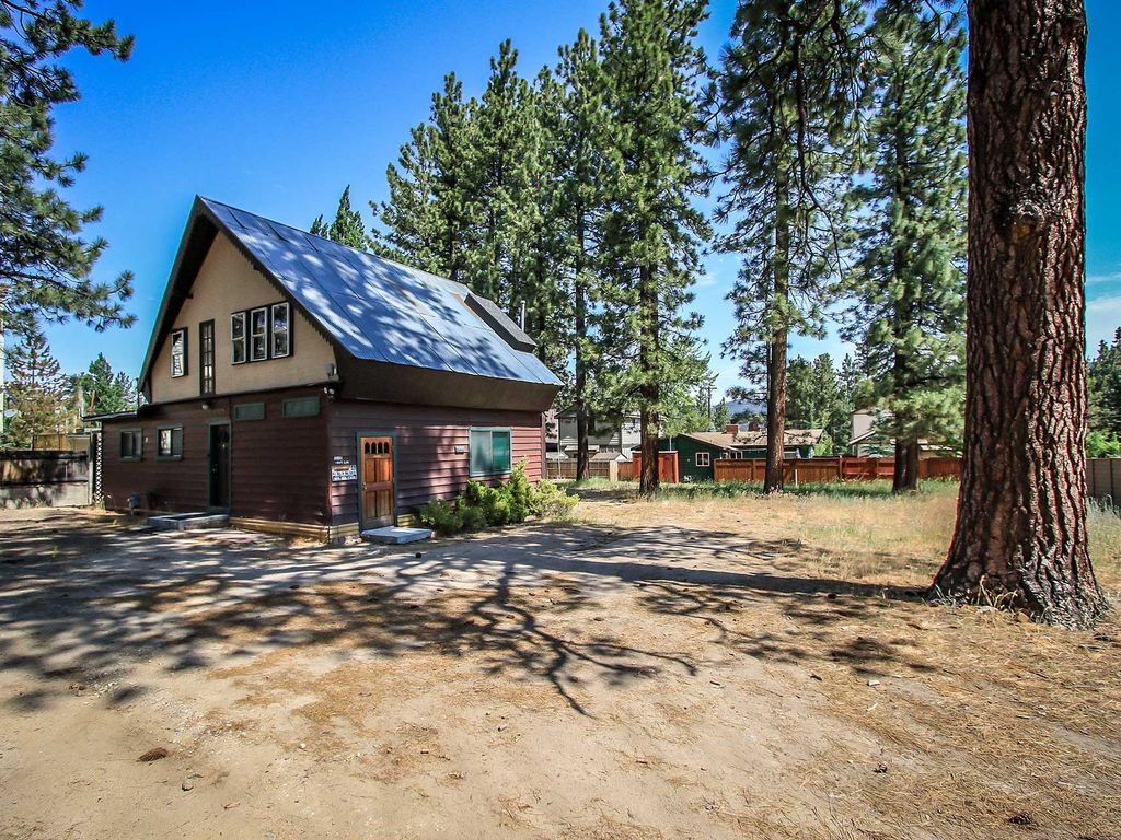 Awesome cabin in the downtown village gas homeaway for Big bear village cabins