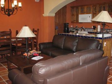 "Relaxing living room Area 42 "" TV with WI-FI Fully equipped kitchen"