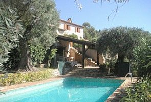 Accommodation near the beach, 260 square meters,