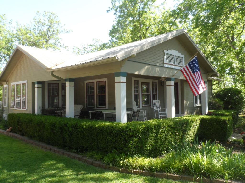 Charming 1930 s Farmhouse Peaceful VRBO