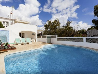 Charming end villa with private pool and optional pool fence