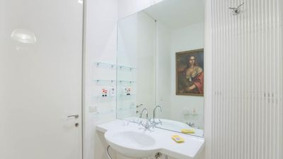 Modern apartment with terrace in a strategic position just a few meters from the central station Termini