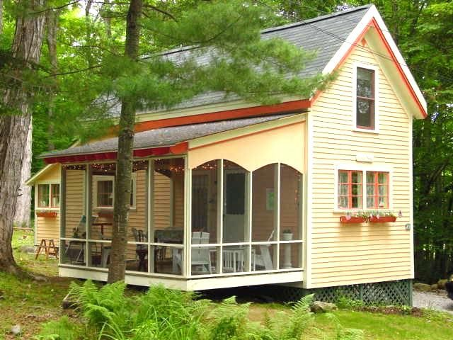 Charming seaside cottage in bayside maine vrbo for Compact cottages georgia