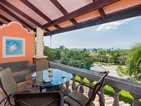 20% OFF SUMMER SPECIAL! Spacious Oceanview Condo for less than the hotel