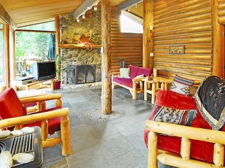 Gold Bar cabin photo - Relax in the living room with your guests