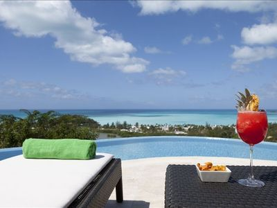 Antigua villa rental - Enjoy a frozen drink by the private infinity plunge pool