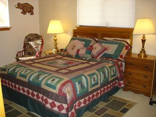 Maggie Valley cabin photo - Master Queen Bedroom w bathroom & Internet