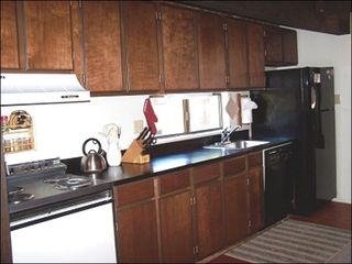 Tahoe Valley townhome photo - Fully Equipped Kitchen
