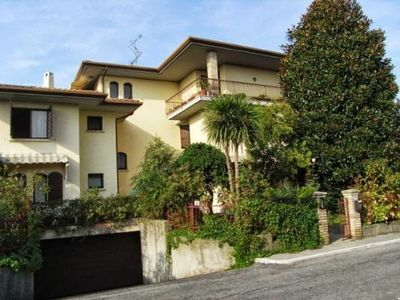 Holiday Apartment in Sirmione for 6 persons (+1 on request ) only 200 meter from