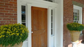 Main entry with sidelights