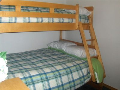 bunk beds (bedroom 2)
