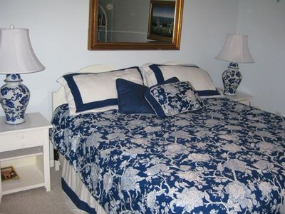 MASTER BEDROOM WITH KING SIZE BED - STEARNS/FOSTER MATTRESS