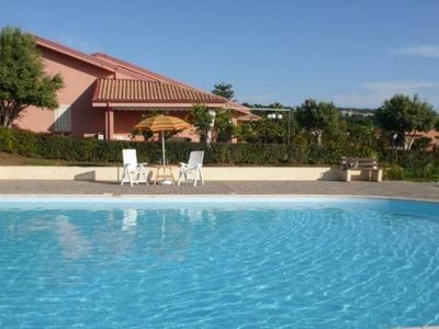 Comfortable house with terrace and sea view - great location!