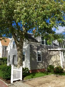Charming 1850's Greek Revival near Everything