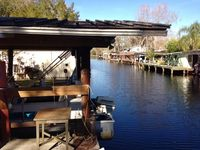 Canal Front Home off St.Johns River sleeps 4-6 -canal-front dock