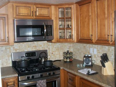 Fully stocked, newly updated and remodeled kitchen~