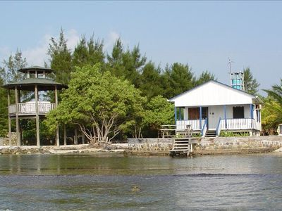 Blue Bayou Beach House & Champa