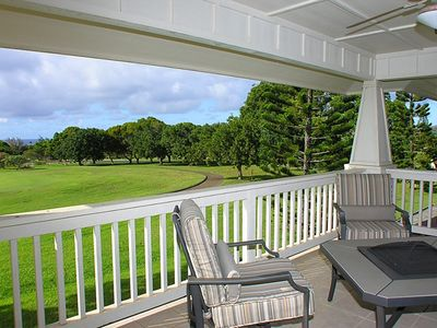 The Upstairs Lanai offers golf course and ocean views.