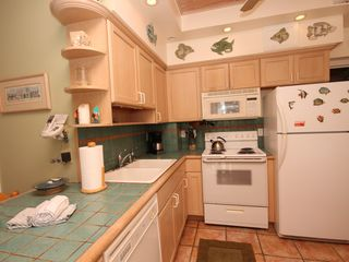 Islamorada condo photo - The kitchen is fully equipped w/ all the appliances