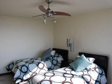 Twin Beds in Bedroom #3