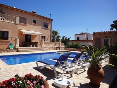 Very well kept Villa with Private Pool in residential Area by Porto Colom
