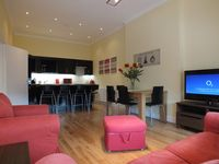 Beautiful and Spacious 3 Bedroom Apartment East End of Prince Street