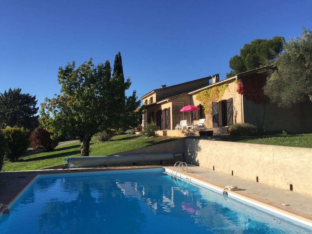 Provencal Villa with Large Pool and Stunning Views walking distance from village