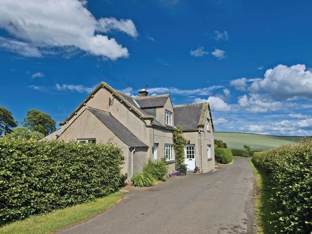 Berwick Hill United Kingdom  city photos gallery : Foulden Hill Farm Cottage shown right | Foulden Hill Farm Cottage ...