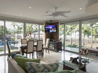 Magnificent Luxury True Beachfront Condo Unbeatable Commodities - 3 Br / 3.5 Ba