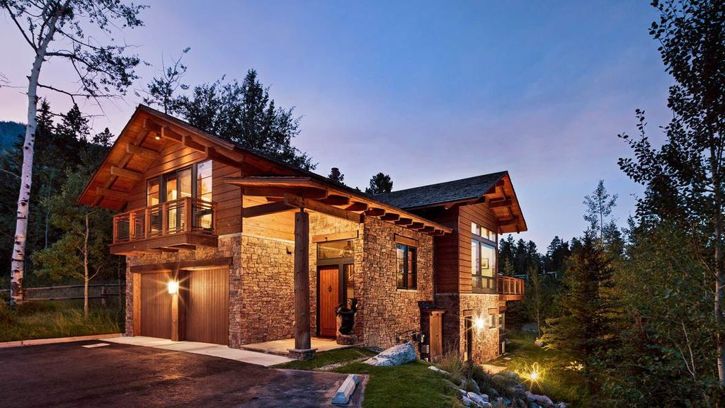 Bear claw luxury mountain lodge at jackson hole mountain for Wyoming home insurance
