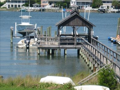 private pier with 25' boatslip