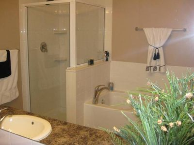 Calgary townhome rental - master bathroom