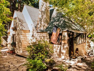 Lake Arrowhead house rental - Let this delightfully charming Lake Arrowhead vacation rental house serve as your ultimate lakefront retreat!