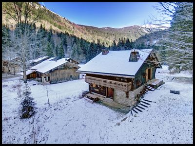 ONLINE BOOKING - Chalet with traditional feel, near ski lift, wifi