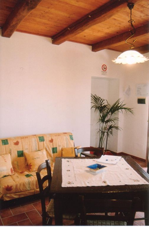 CASA LECCIO, kitchen with studio couch (2 pers)