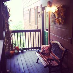 Sevierville chalet photo - Entry porch all decorated for Fall