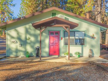 Mariposa cottage rental - Front view of our Poppy Cottage. There is ample parking and views galore.
