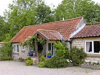 FOXGLOVE COTTAGE, country holiday cottage in Harome, Ref 3537