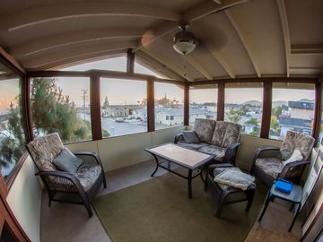 Morro Bay house rental - The Sunroom. Perfect for watching the Morro Bay sunsets