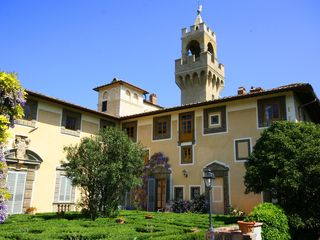 Montespertoli castle photo
