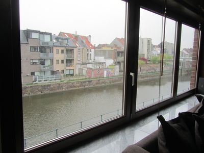 Ghent: sunny and central apartment with balconies