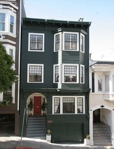 Elegant Edwardian Nob Hill Flats, San Francisco Landmark -  Built 1906