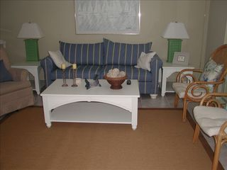 Chateau La Mer condo photo - Living Room