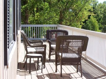 Paso Robles townhome rental - Relax on the deck with a glass of RiverStar Wine!