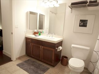 Master Bath - San Diego condo vacation rental photo