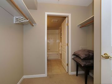 Walk thru closet to ensuite bathroom