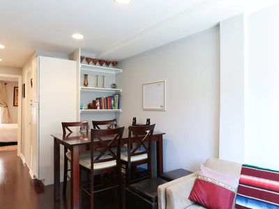 Lovely 3BR 2BA 2 level condo in great Georgetown location