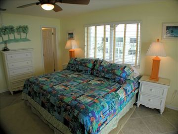 Large Master bedroom w/ king bed, master bath, balcony & flat screen TV w/cable